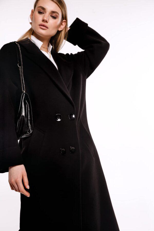 Двобортне пальто з поясом