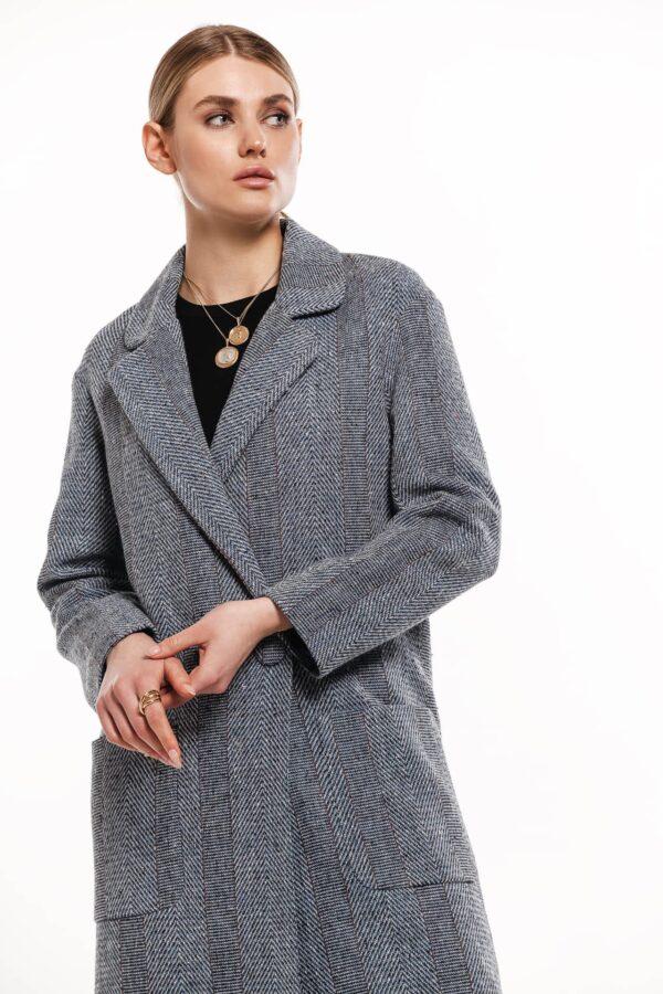 Женское твидовое пальто серого цвета