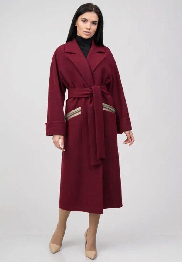 Подовжене пальто з декорацією на кишенях