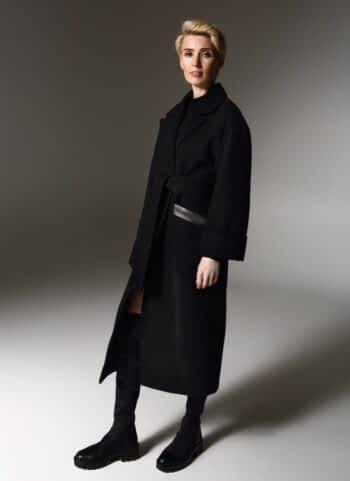 Удлиненное пальто с декорацией на карманах