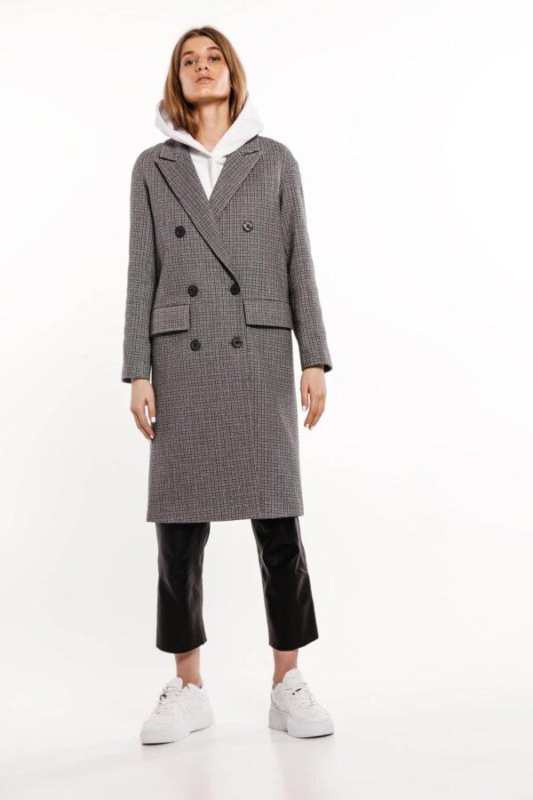 Подовжене пальто в клітинку