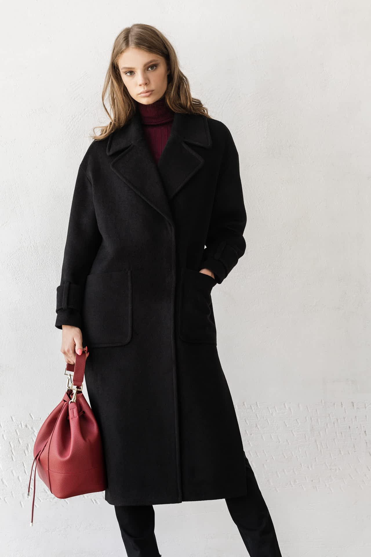 Удлиненное пальто с поясом
