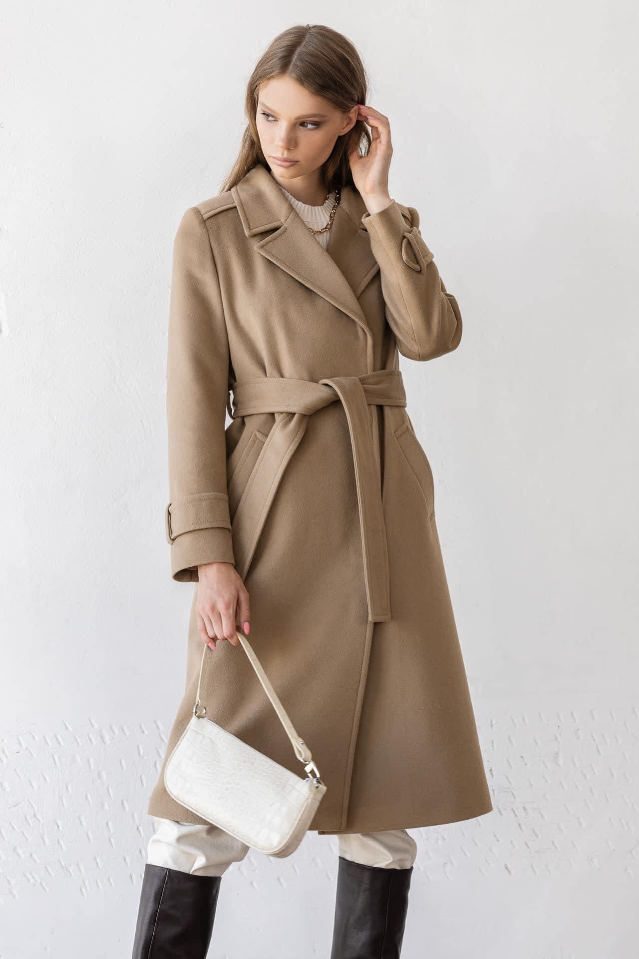 Пальто рівного крою з манжетами