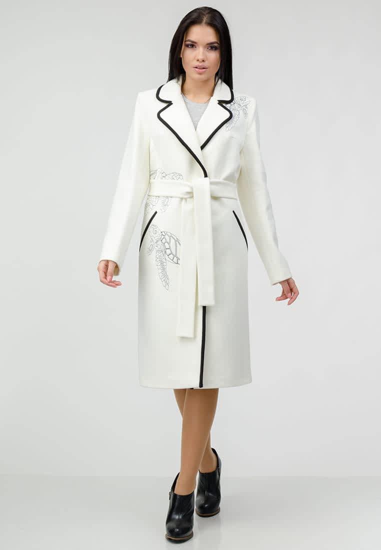 Пальто с декоративной вышивкой