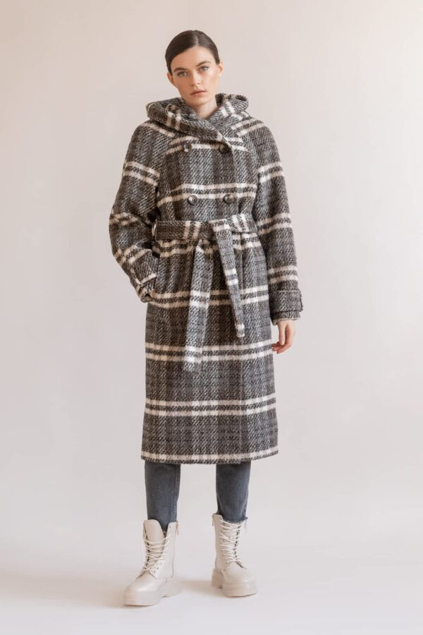 Утеплене пальто в клітку з капюшоном