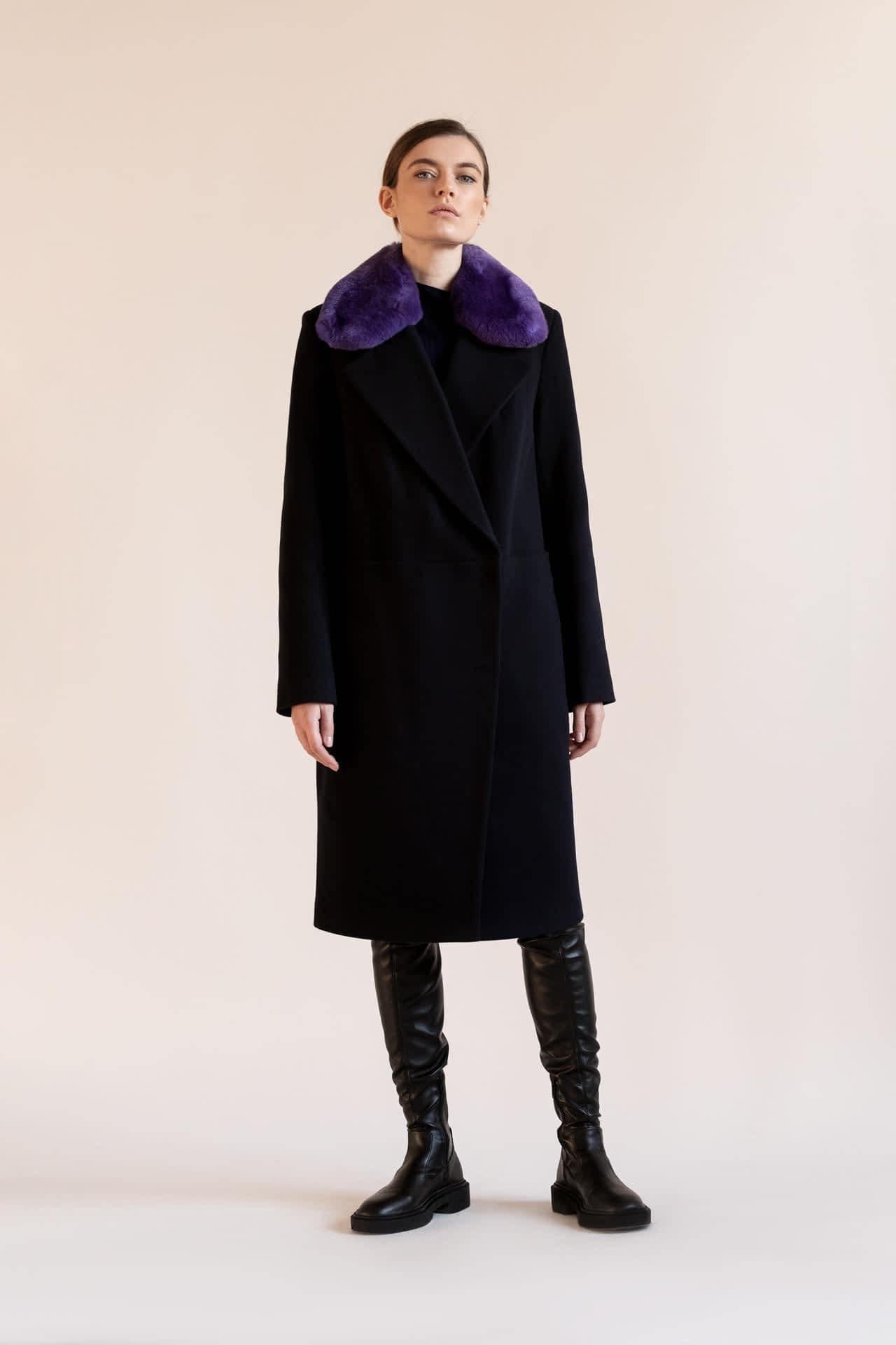 Утеплене пальто з натуральним хутром
