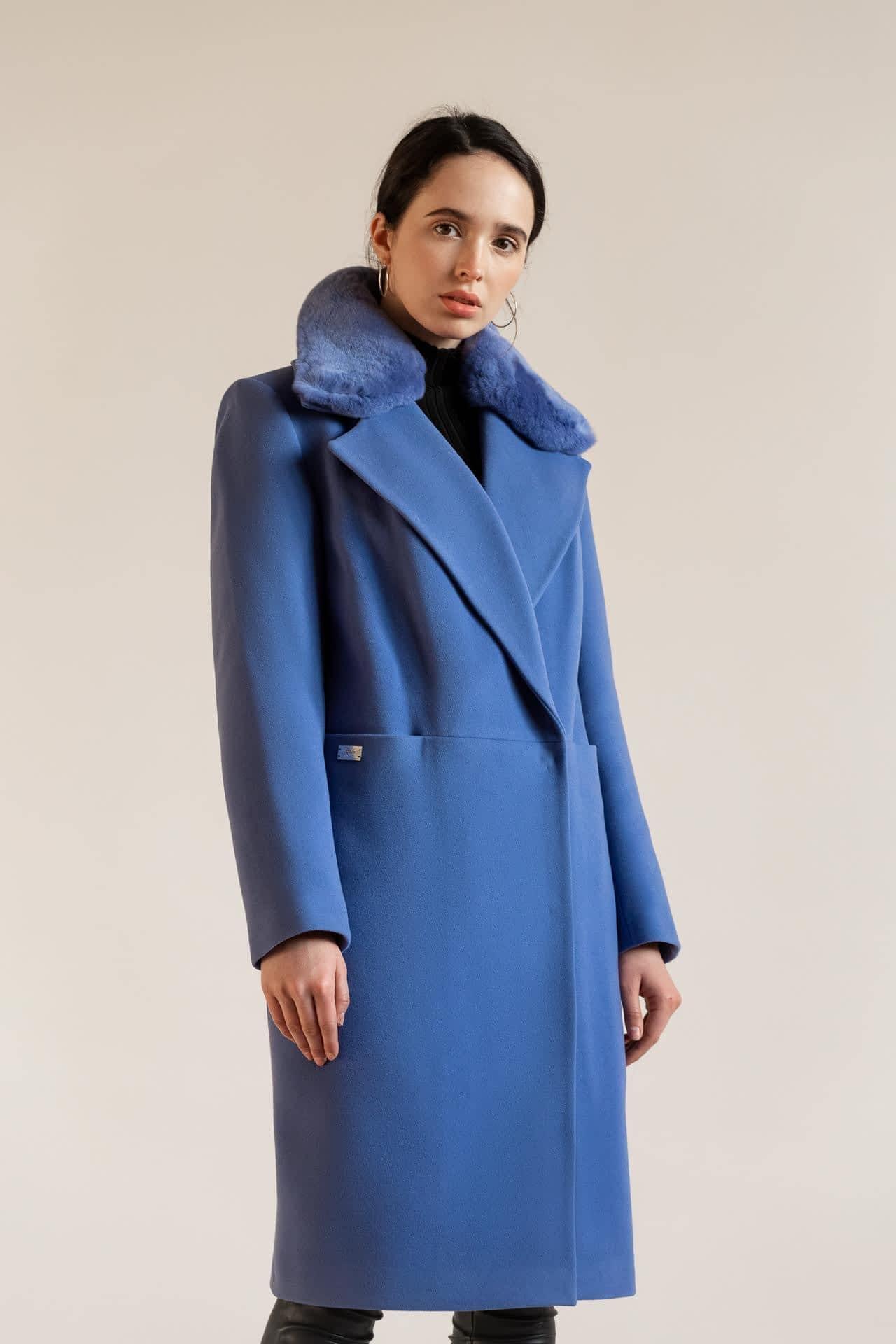 Утепленное пальто с натуральным мехом