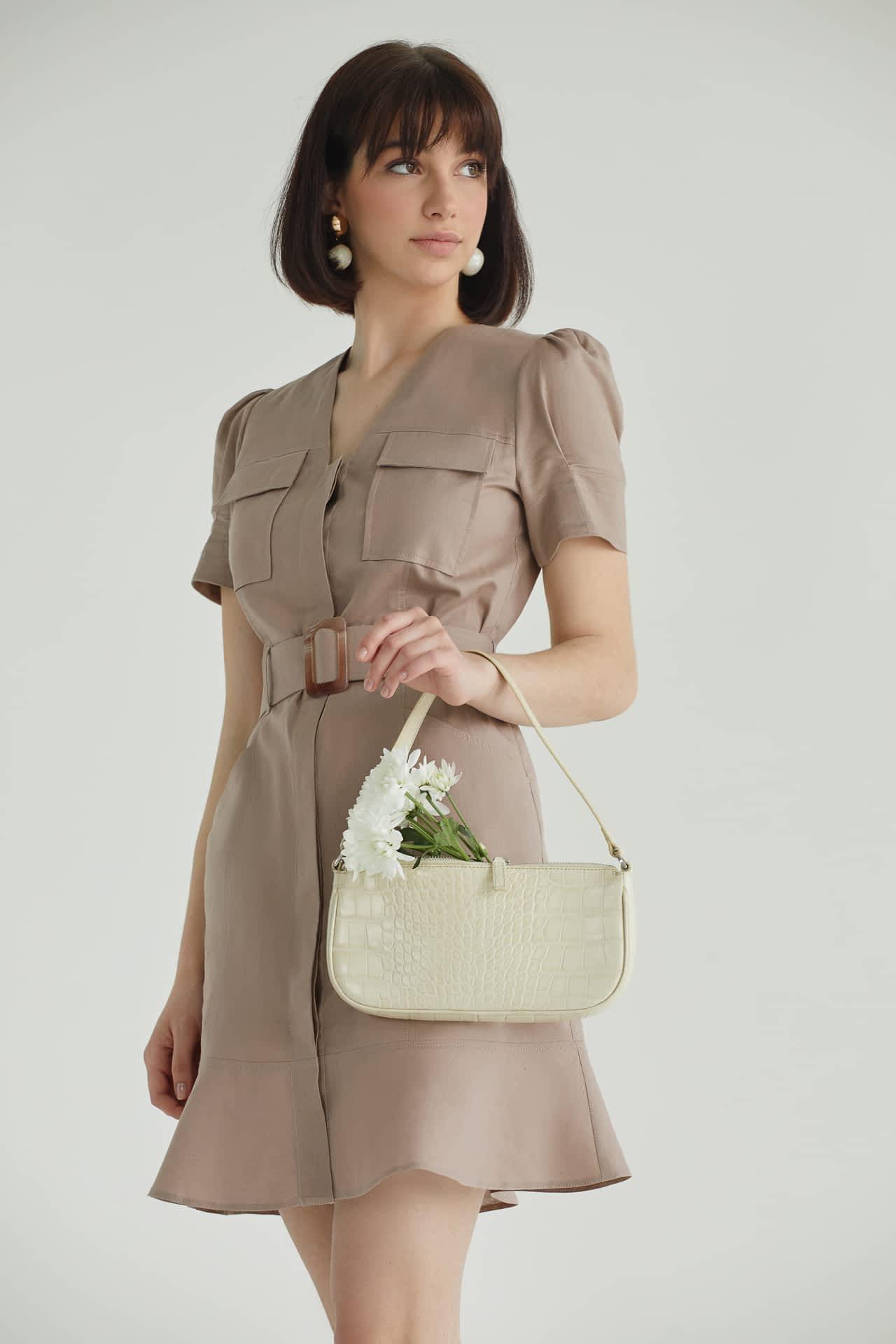 Коротке плаття з льону