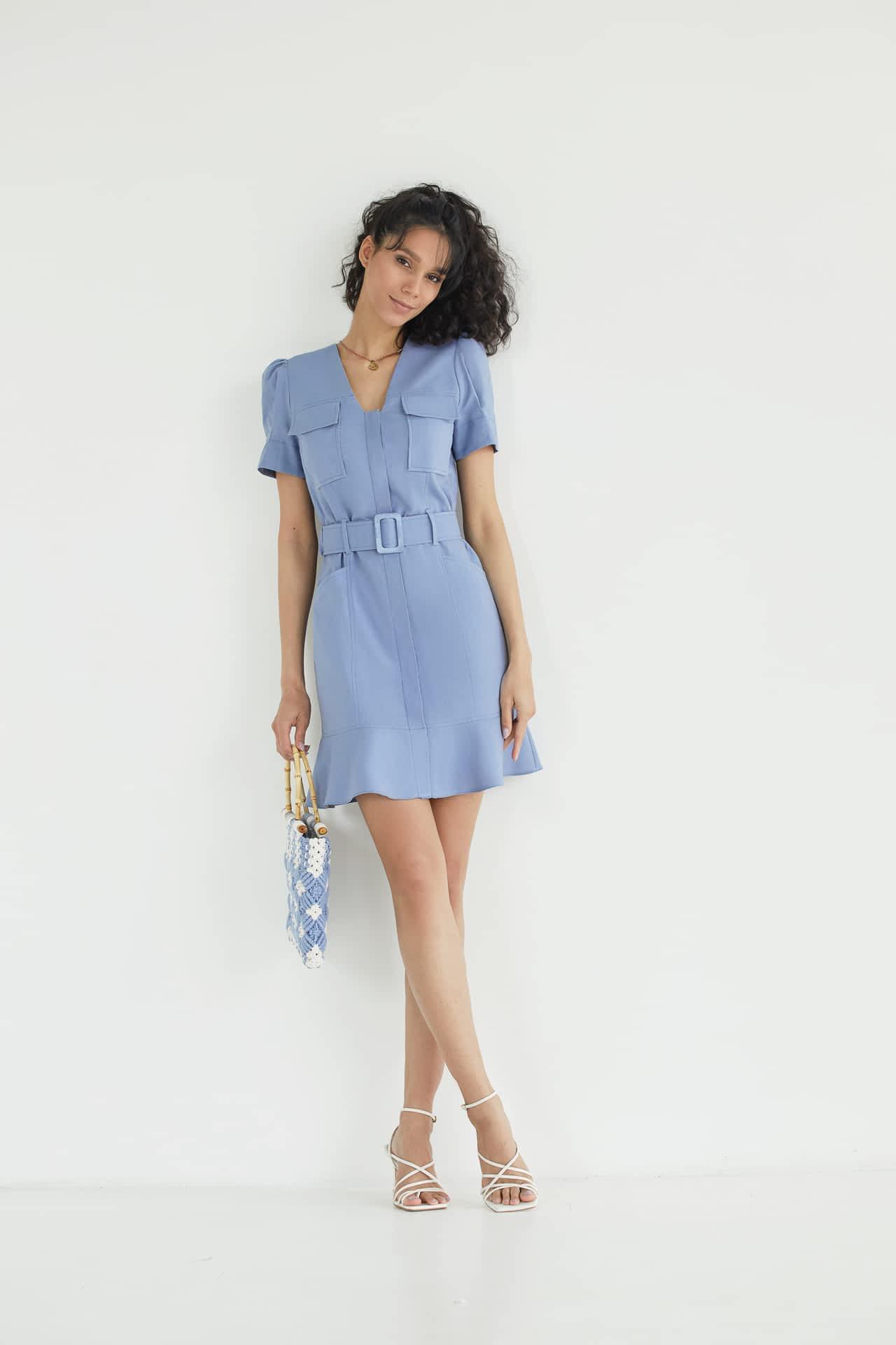 Короткое платья из льна