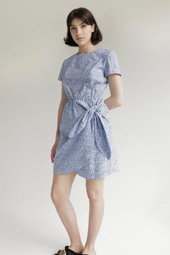 Короткое платье в цветочный принт
