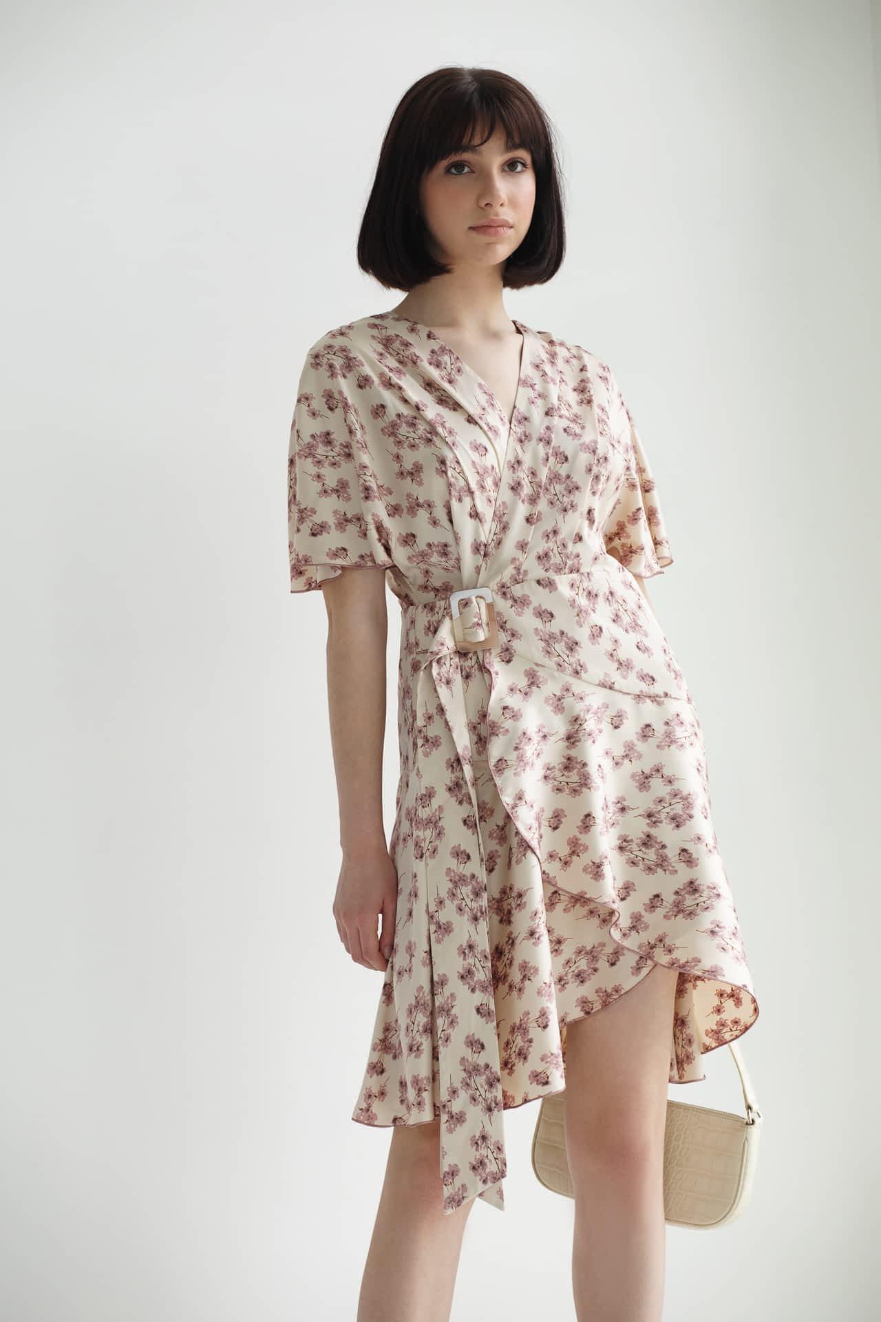 Коротка сукня з квітковим принтом