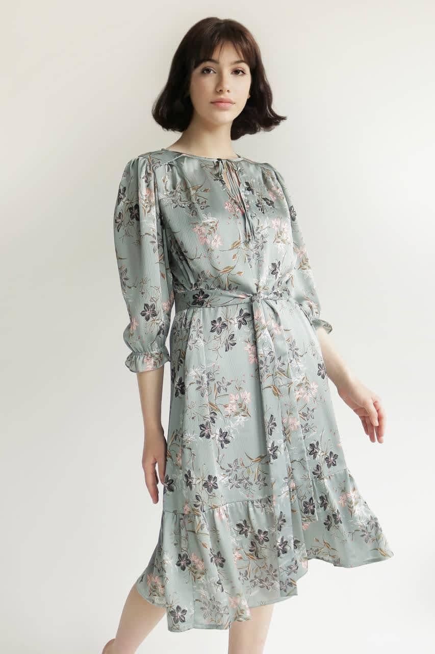 Сукня довжини міді з поясом