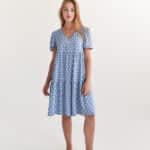 Короткое платье в крупный горох