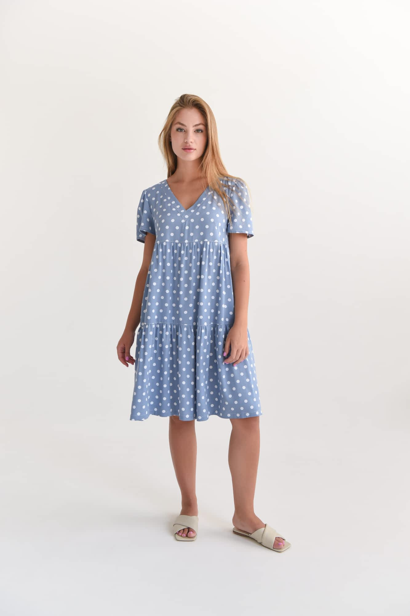 Коротка сукня в великий горох