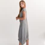 Льняное платье длины миди