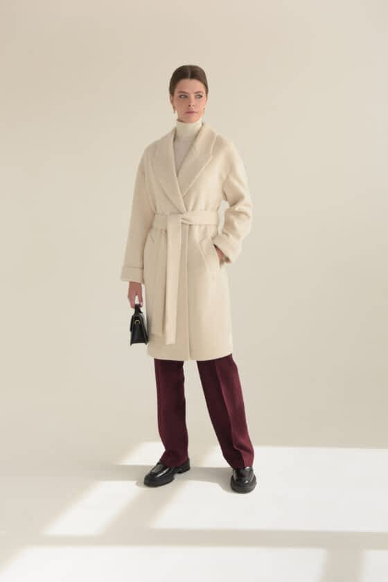 Пальто з ангори c поясом